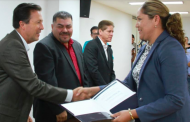 Reconoce IEA a maestros participantes en examen de oposición