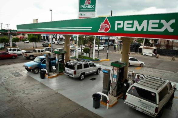 Niega PEMEX desabasto de gasolinas