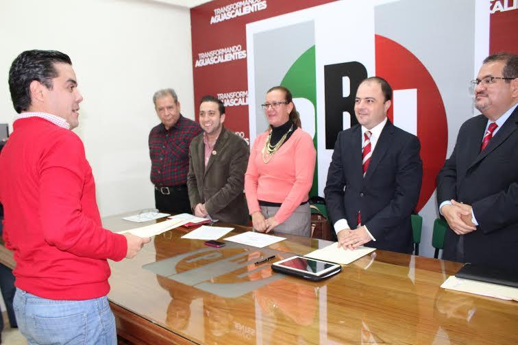 Anuncia su renuncia al PRI Pepe Proa