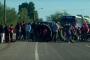 Bloquean vialidad para reclamar seguridad y libre tránsito de carretera