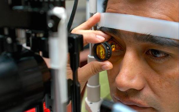 Mala alimentación puede provocar complicaciones con la vista