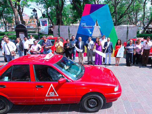 120 taxis brindan el servicio de manera irregular