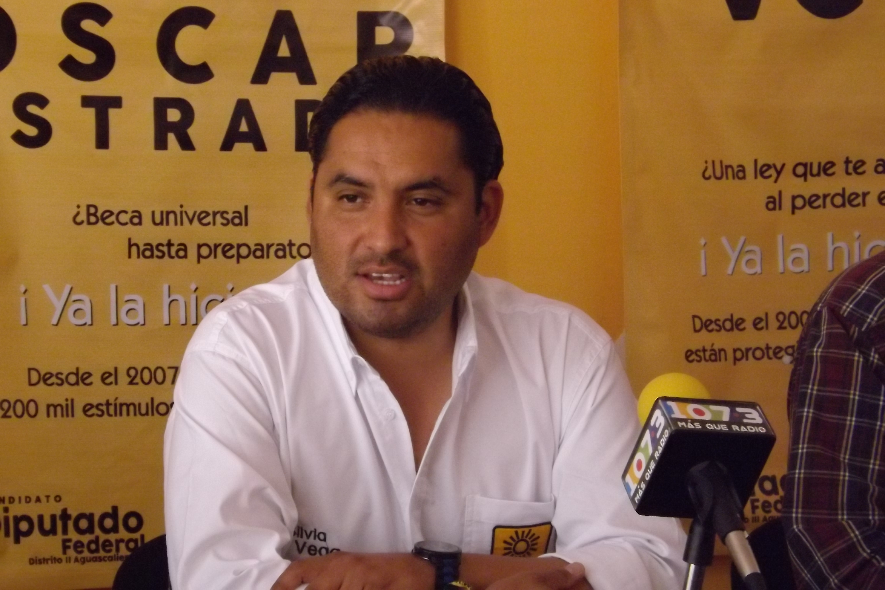 PRD:  El PRI hace el ridículo criticando el Gobierno de Orozco