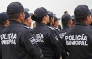 Investigan a 8 policías municipales por robo