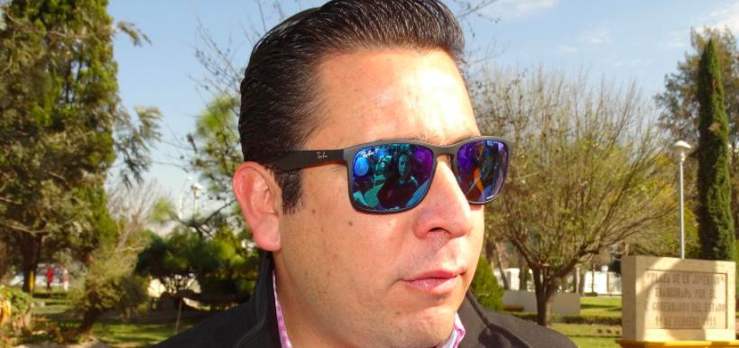 Diputados que busquen reelección que pidan licencia: Báez