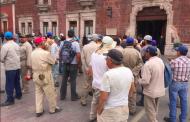 Protestan contra directivo del INAGUA