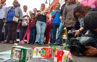 """Protestan lecheros en PROFECO contra leche """"pirata"""""""