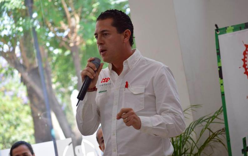 Gustavo Granados también reprocha pluris de Villanueva y su hijo