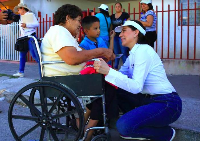 Presenta Lorena Martínez sus propuestas en la Soledad, Colinas del Río, Altavista y Fundadores