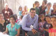 Compromete Leo Montañez respaldo a madres jefas de familia