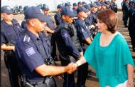 Compromete Lorena Martínez mejores condiciones para policías