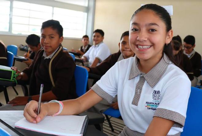 Abre IEA convocatorias para becas escolares