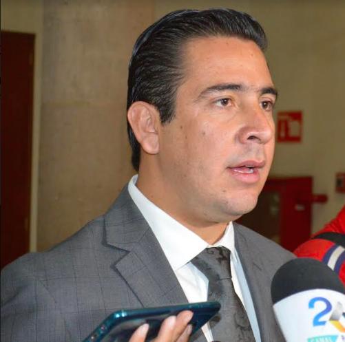 Báez: No habrá carros nuevos, telefonía ni Ipad en la siguiente legislatura
