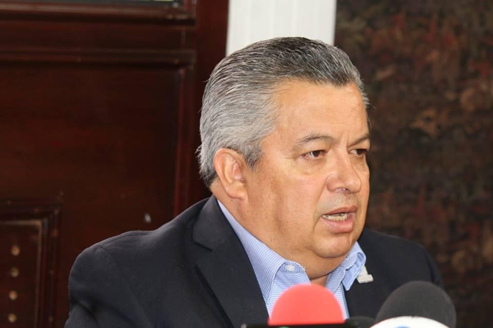 Invalidan 12 concesiones de taxi otorgadas por Carlos Lozano