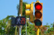 3 de cada 10  semáforos en la ciudad no están conectados a una red central