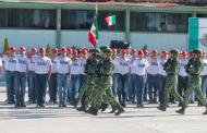 Entrega alcaldesa cartillas de identidad del Servicio Militar Nacional