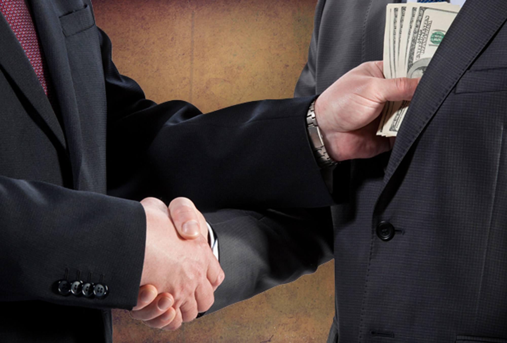 Califica sociólogo como enfermedad social, la corrupción