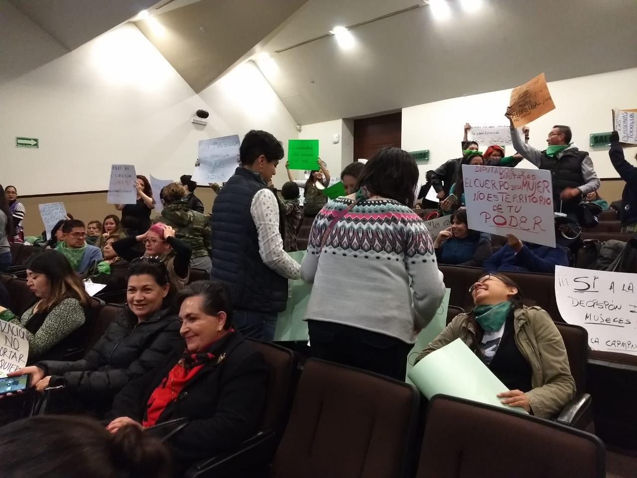 Enfrenta Ley Antiaborto a activistas en el Congreso