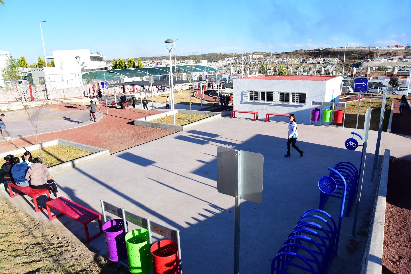 Inaugura Tere Jiménez parque en Villas
