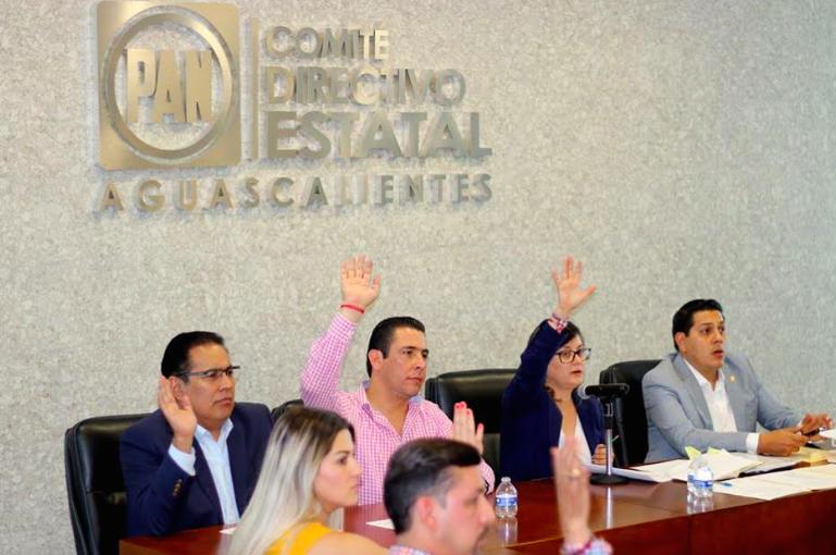 Adán Valdivia y Cristina López se podrán reelegir en Calvillo y San José de Gracia