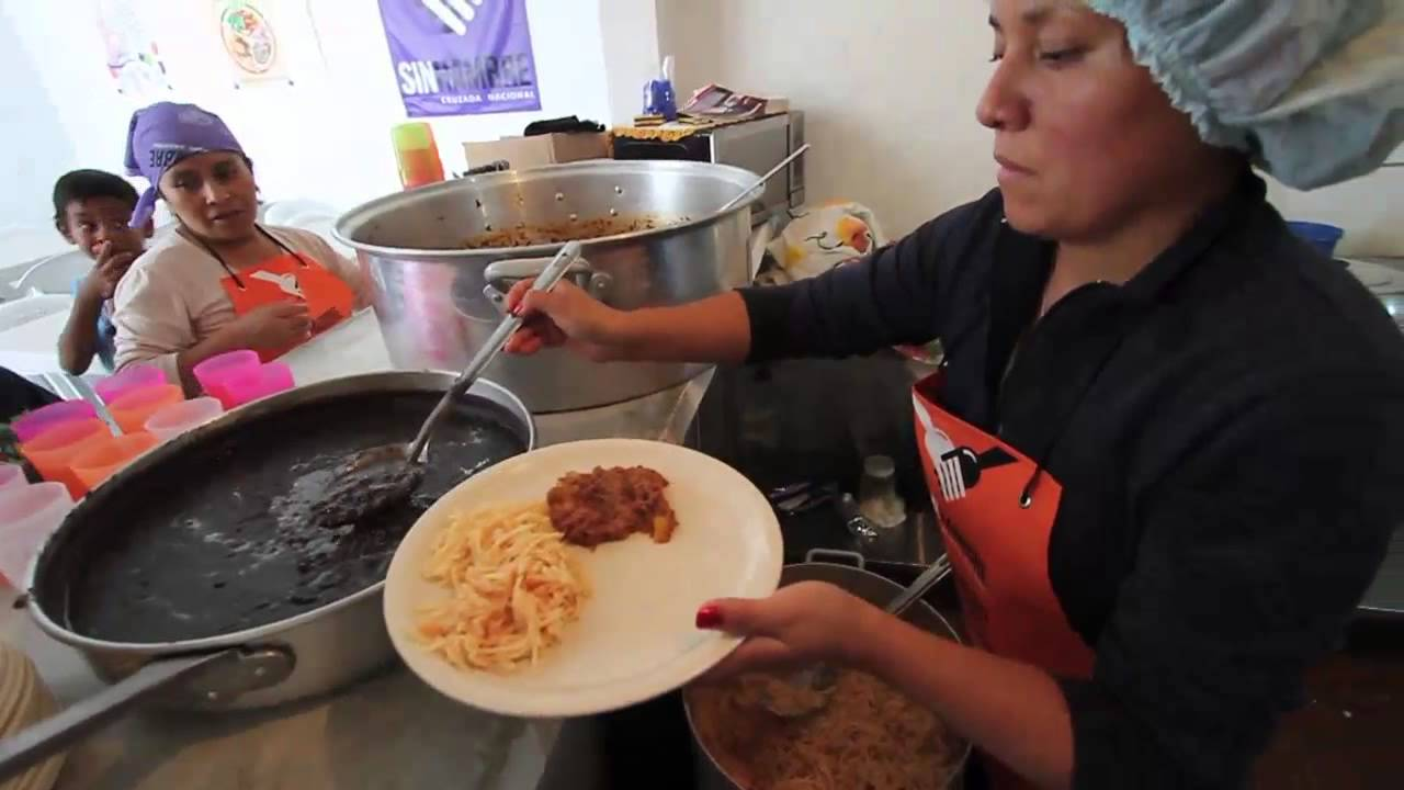 Desaparición de Comedores Comunitarios, otra ocurrencia de AMLO: Serrano