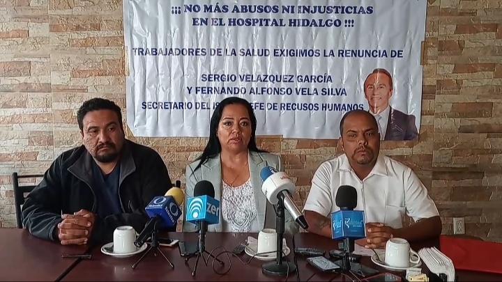 Ex trabajadores exigen la renuncia del director de ISSEA