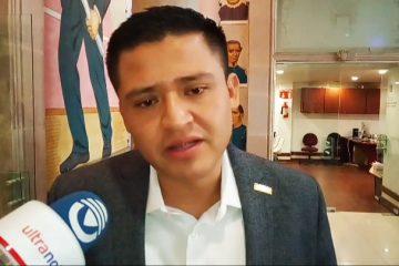 El titular del IMSS se fue porque no pudo hacer negocios: Guzmán