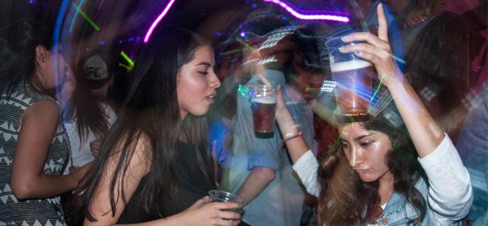 Buscan mujeres de Aguascalientes el primer lugar en consumo de alcohol