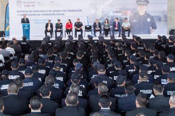 Entre la polémica, Gobernador pide a policías cumplir la ley