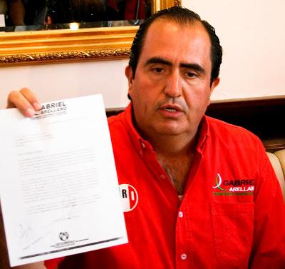 ¿Quién es Romo Medina?, responde Arellano
