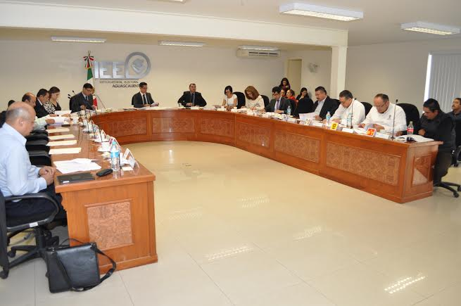Por impugnación del PAN, IEE ratifica a consejeros distritales
