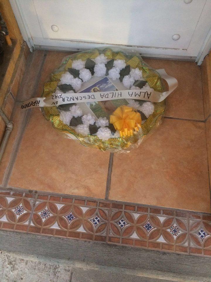 Dejan Corona de Muerto a Precandidata panista