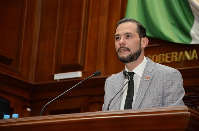 Urge @rdzoswaldo a los diputados legislar a favor de homosexuales