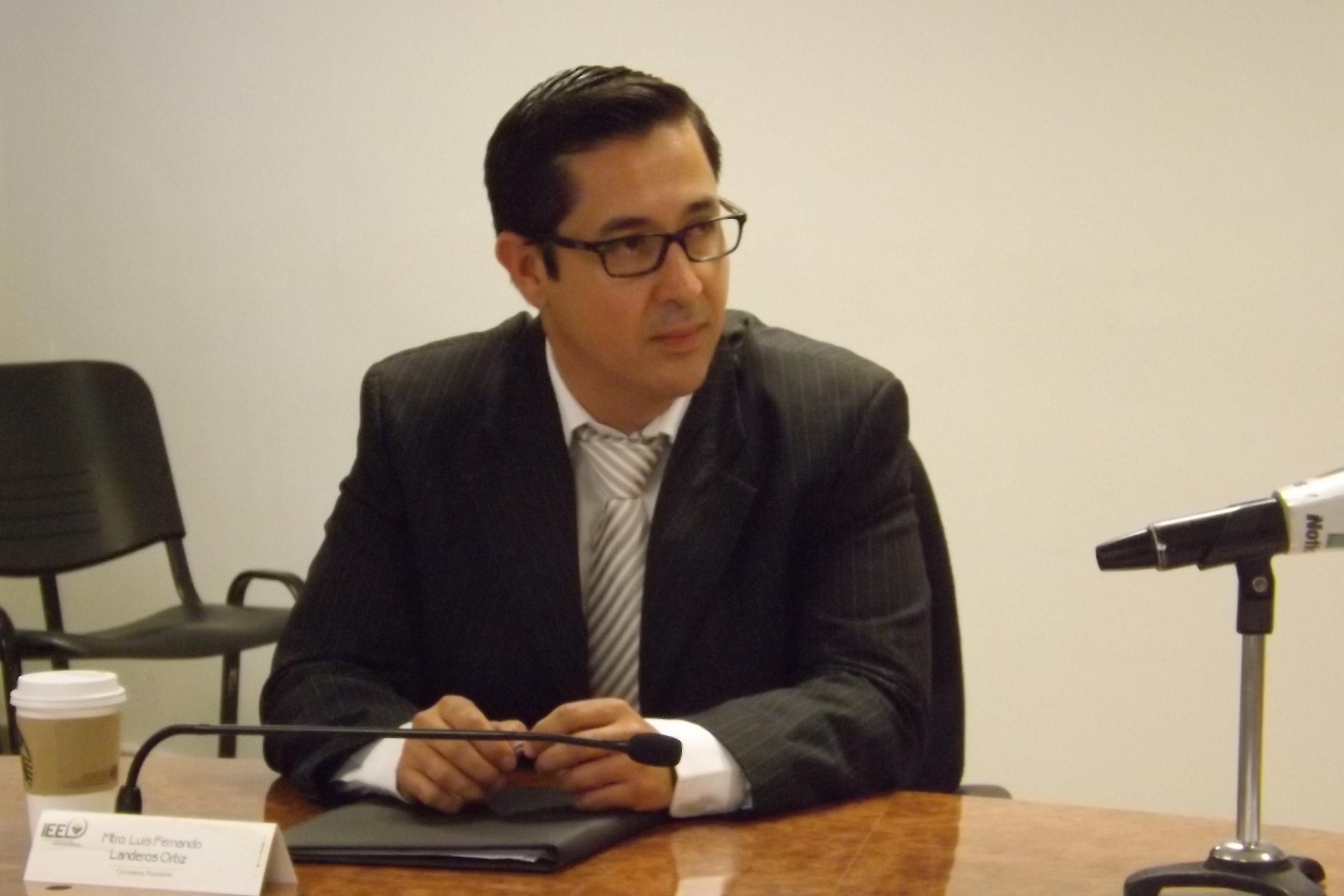 Presidente del IEE responde también al Presidente de México
