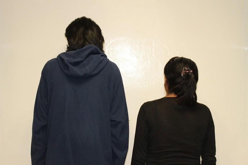 Detienen a pareja por secuestro y tortura en contra de un menor