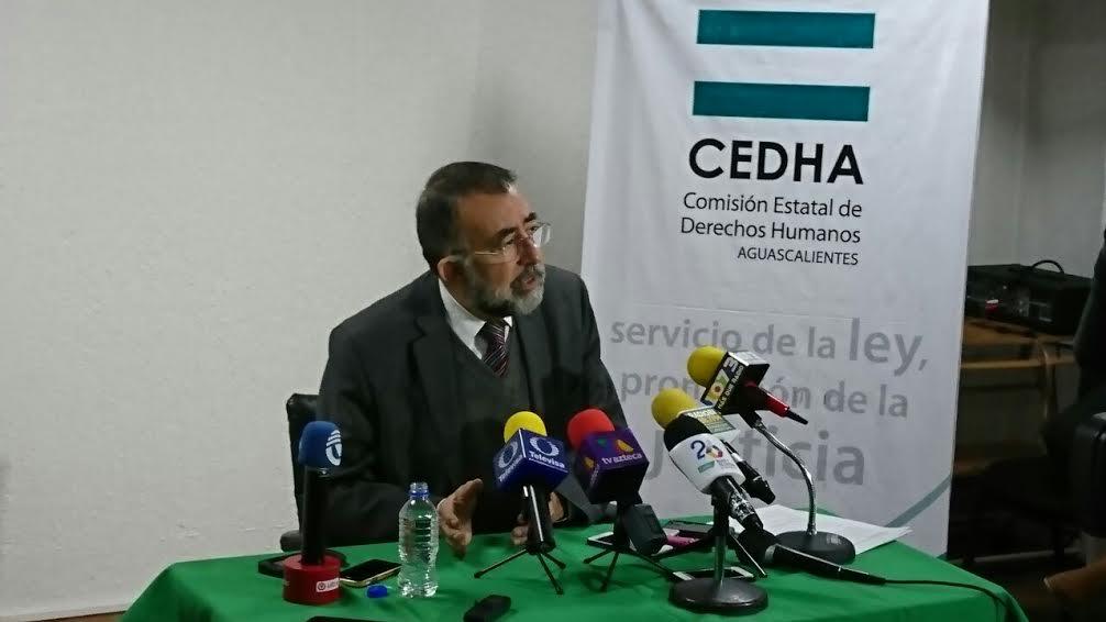 Dejó Jáuregui más de 900 quejas sin resolver en Derechos Humanos
