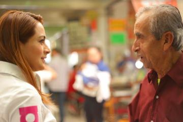 Realiza Tere Jiménez campaña en el Mercado Juárez