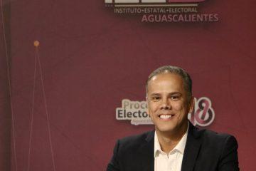 Toño Arámbula se declara ganador de debate