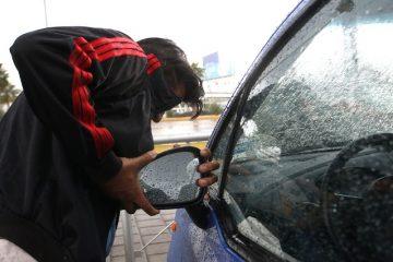 Espejos, llantas, tapones y baterías, lo que más le roban a los autos en Aguascalientes