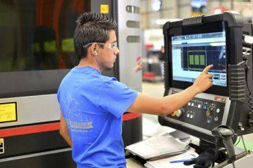 45% de los trabajadores en Aguascalientes gana no más de 5,213 pesos al mes